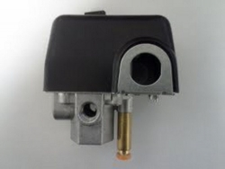Hitachi 881575 EC12 Pressure Switch made by Rolair